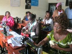 Au Congo : la formation professionnelle ouvre une nouvelle voie aux femmes séropositives