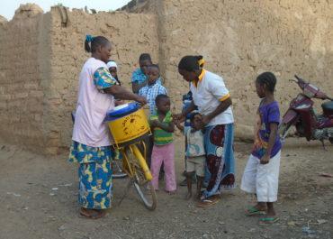 Au Burkina Faso : des aliments fortifiés pour les femmes enceintes des quartiers défavorisés