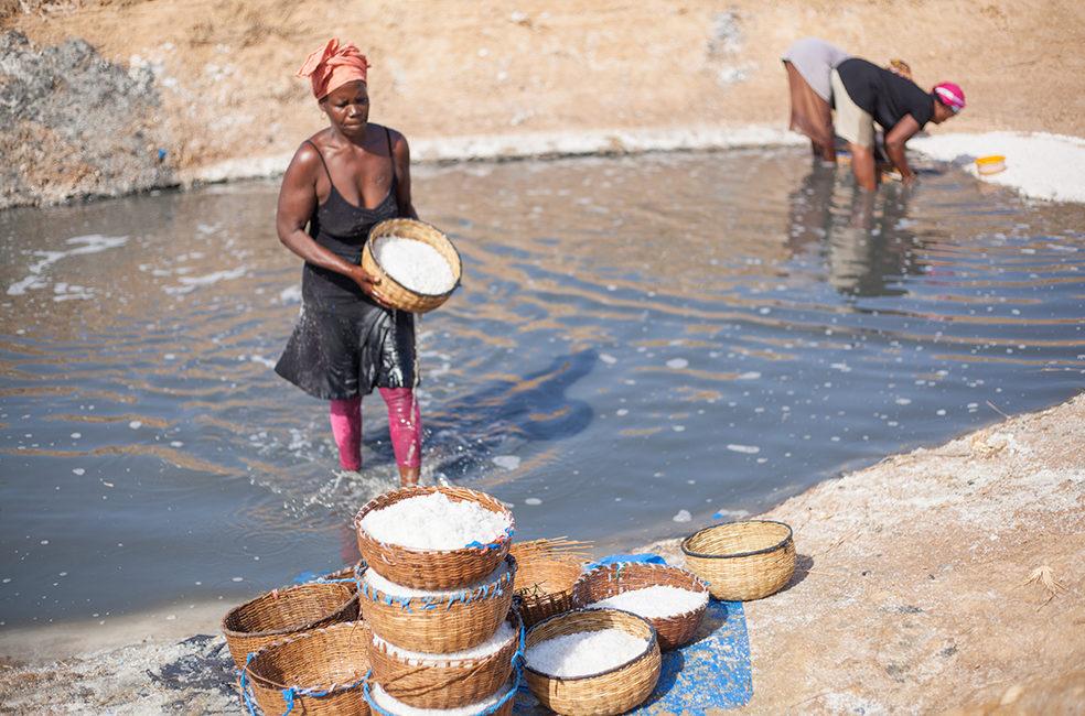 Femmes productrices de sel au Sénégal © Univers-Sel 2021